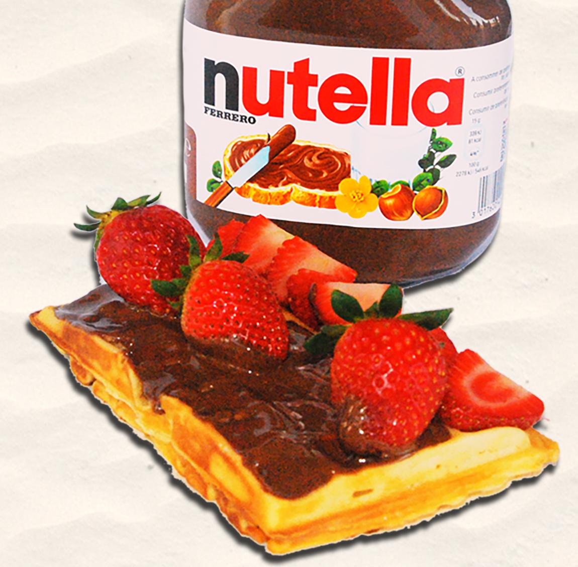Waffel mit Nutella und Erdbeeren